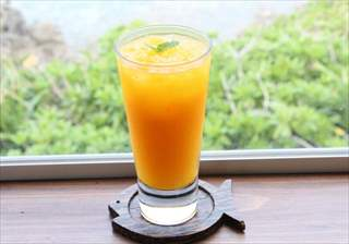 マンゴー生ジュース
